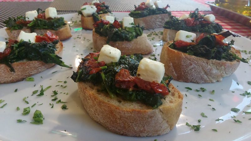 Bruschetta con spinaci
