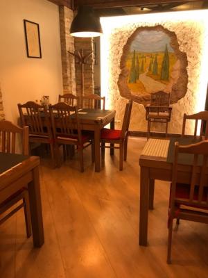 Godziny otwarcia naszych restauracji w Kwietniu 2019r.